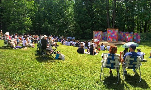 Twelfth Night is playing outdoors at The Mount! 🎭🌿@themountlenox #Shakespeare #IntheBerkshires #TwelfthNight #Theater #Acting #Audience #Picnic #FamilyVacation #TheBerkshires Photo by Ava G. Lindenmaier