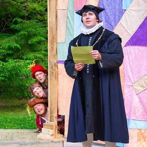 Twelfth Night continues tomorrow at 11am, outdoors at The Mount🌿@themountlenox #Shakespeare #Malvolio #TwelfthNight #IntheBerkshires #Acting #Theater Pictured: (L-R) Conor Seamus Moroney, Gregory Boover, Marcus Kearns and Colin Gold Photo by Ava G. Lindenmaier